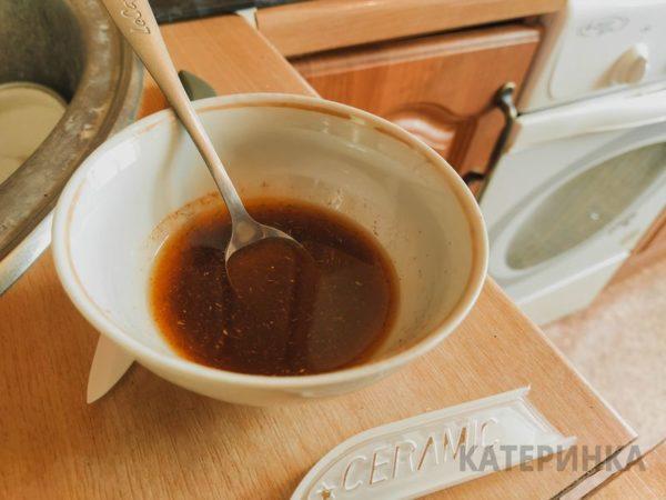 Смесь масла и специй из лаваша
